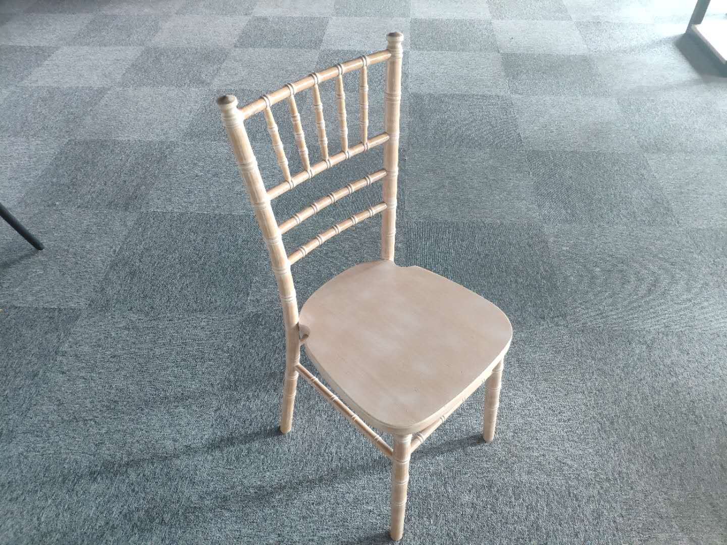 Solid wood limewash color chiavari camelot tiffany chairs